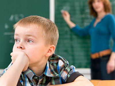 ADHDの子どもの特徴・原因・薬は?付き合い方と有名人のまとめ