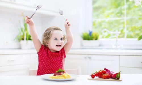 子供の食事が遅い!2・3歳児のだらだら食べる原因は?タイプ別でイライラを止める!